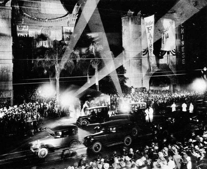 1927 Graumans Chinese_Theatre